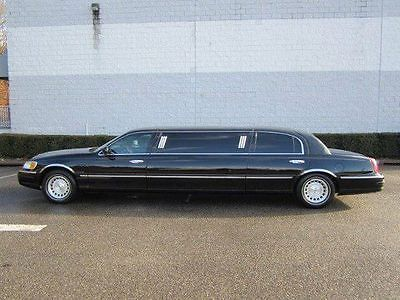 1999 Lincoln Town Car Leather Limousine