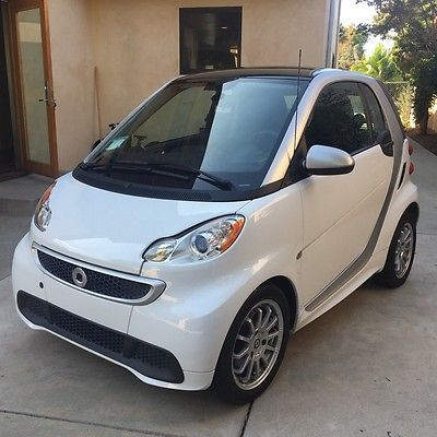 2013 Other Makes Fortwo Passion Coupe 2-Door 2013 SMART FOR TWO PASSION DECOR LEVEL & COMFORT PACKAGE 2 KEYS WARRANTY SUNROOF
