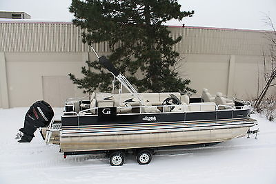 2015  24 ft pontoon boat with High performance tubes 250 four stroke and trailer