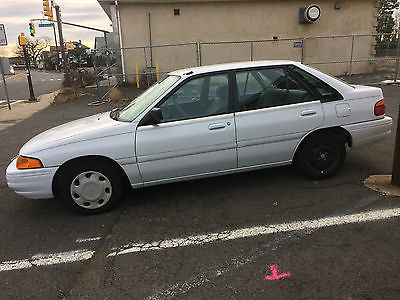 1994 Ford Escort LX Sedan 4-Door 1994 Ford Escort LX Sedan 4-Door 1.9L