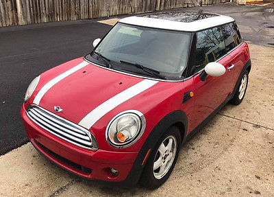 2008 Mini Cooper Base Hatchback 2-Door 2008 Mini Cooper! Low Miles!!!