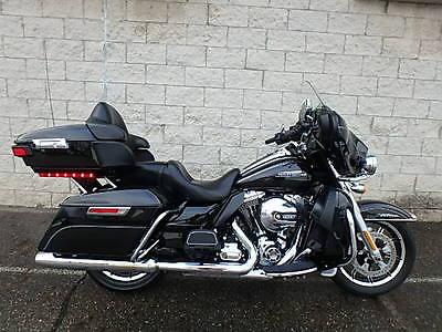 2016 Harley-Davidson Touring  2016 HARLEY DAVIDSON FLHTCU ULTRA CLASSIC UM40778 JB