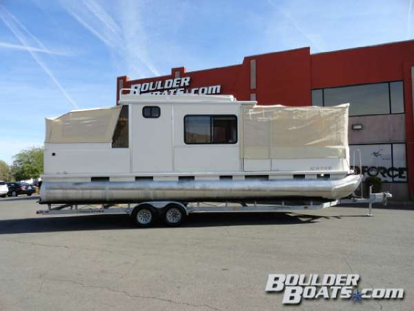 2004 Sun Tracker Party Cruiser 32 IO