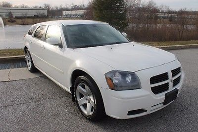 2006 Dodge Magnum -- 2006 DODGE MAGNUM, WHITE with 45,588 Miles available now!