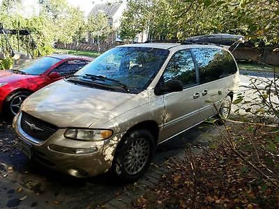 1998 Chrysler Town & Country  Chrysler Town Country AWD van AS IS