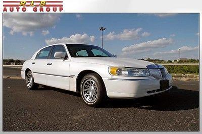 2002 Lincoln Town Car Signature Premium Touring 2002 signature premium touring moonroof immaculate low mileage car pearl white