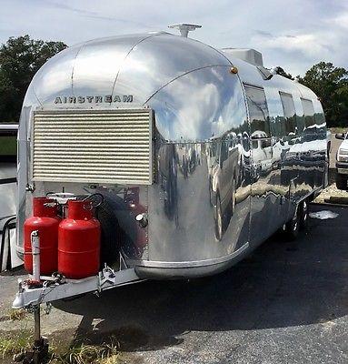 Airstream - vintage restored, 1966 26' Overlander