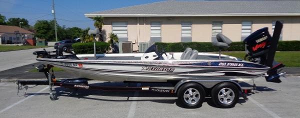 2004 Stratos 201 XL