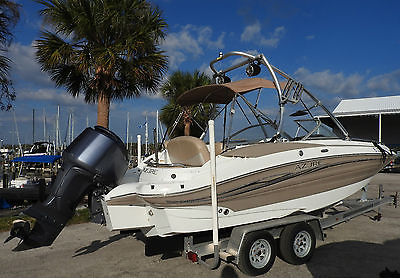 2008 Azure 21' DECK BOAT with YAMAHA 200 HP Four Stroke Outboard Motor