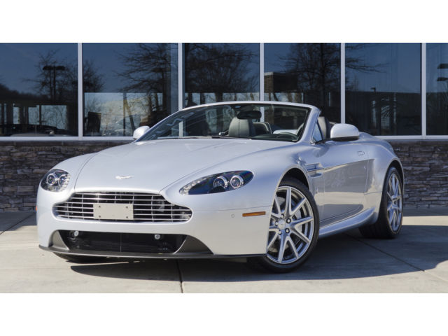 2015 Aston Martin Vantage Base Convertible 2-Door 2015 Aston Martin V8 Vantage Roadster *Low Miles*