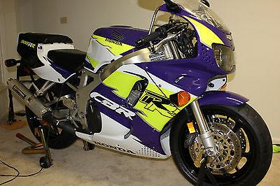 1995 Honda CBR  Excellent condition 1995 Honda CBR900RR CBR 5.8K miles NO RESERVE!