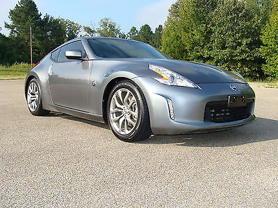 2014 Nissan 370Z Nismo Coupe 2-Door 2014 Nissan 370Z Nismo Coupe 2-Door 3.7L LOW MILES