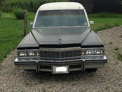 1977 Cadillac Miller-Meteor Hearse Landau Traditional 1977 Cadillac Hearse Miller-Meteor Endloader M-M Triple Black