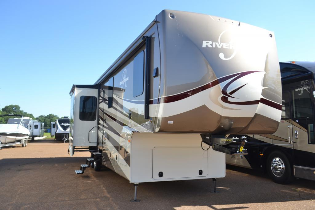 Forest River Riverstone 38RE