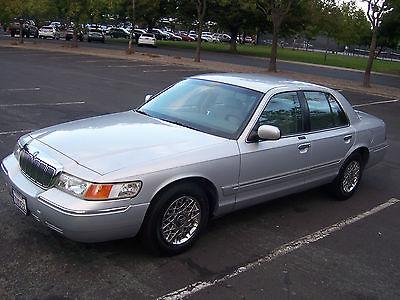 2002 Mercury Grand Marquis GS Sedan 4-Door 2002 MERCURY GRAND MARQUIS GS Sedan  4.6L excellent low miles 74k very clean