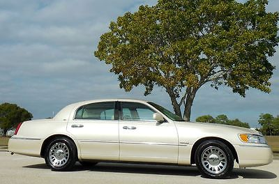 2001 Lincoln Town Car CARTIER CARFAX CERTIFIED 1 OWNER NO ACCIDENTS GORGEOUS WHITE PEARL~CHROME~HEATED SEATS~NONE NICER~RUST FREE~02 03 04 05 06
