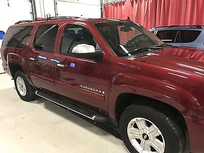 2008 Chevrolet Suburban LT Z71 2008 suburban LT Z71 edition. Sunroof, DVD, Nav, heated leather, excellent