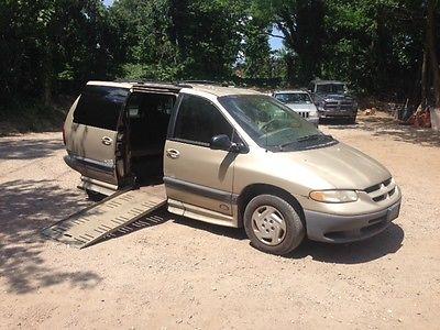1999 Dodge Grand Caravan SE Mini Passenger Van 4-Door 1999 Dodge Grand Caravan SE Braun Lowered floor handicap van wheelchair van