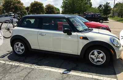 2010 Mini Cooper Base Hatchback 2-Door 2010 MINI Cooper Hardtop Hatchback