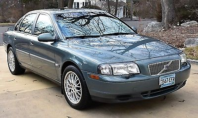 2002 Volvo S80 Gray Volvo S80 Sedan 2002 Excellent Condition, low miles, Winter Package, garaged