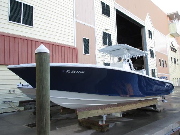 2016 Yellowfin 29 Offshore