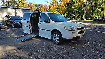 2005 Chevrolet Uplander Base Mini Passenger Van 4-Door 2005 Chevrolet Uplander Handicap conversion van with lift