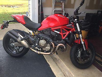 2015 Ducati Monster  2015 Ducati Monster 821