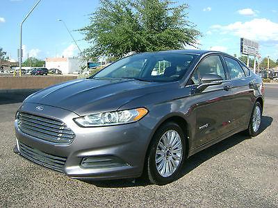 2013 Ford Fusion SE Hybrid Sedan 4-Door 2013 FORD FUSION HYBRID SE - 90 DAY WARRANTY - 3.49% OAC!