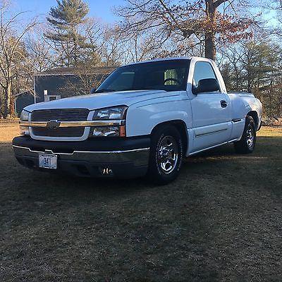 2004 Chevrolet Silverado 1500 Stepside 2004 Chevrolet Silverado Stepside 2WD, 5.3 Liter V-8, Short Bed, White