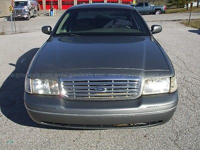 2001 Ford Crown Victoria  2001 Ford Crown Victoria