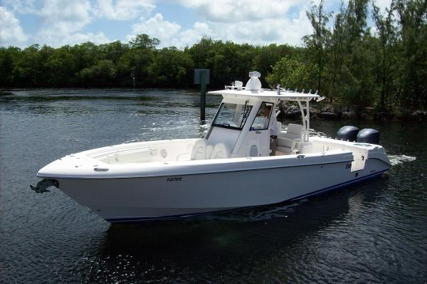 Everglades 325 Center Console Boats For Sale