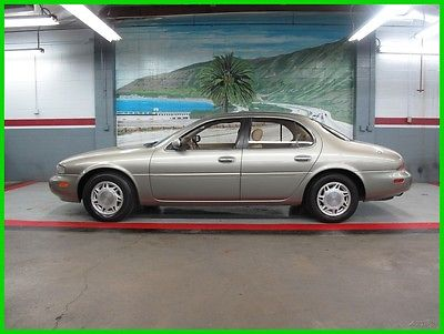 1997 Infiniti J30  Please scroll down and look at all Detailed Pics and Carfax Report
