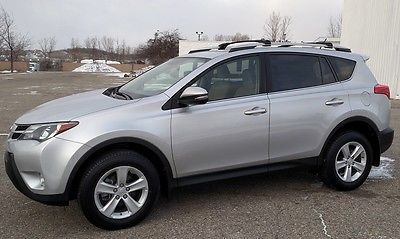 2014 Toyota RAV4 4X4 XLE Sunroof Backup Camera XLE AWD2.5L Power Sunroof Back Up Camera Hands Free Blue Tooth