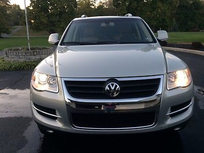 2009 Volkswagen Touareg SUV 3.6L V6 All Wheel Drive Tan leather heated seats power mirrors