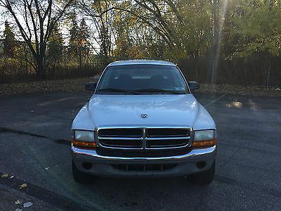 2001 Dodge Dakota SLT Crew Cab Pickup 4-Door 2001 DODGE DAKOTA 4X4 CLEAN IN AND OUT RUNS LIKE A TOP SHARP TRUCK!!