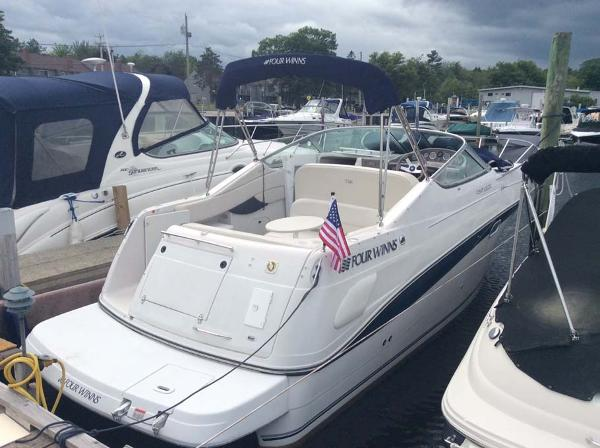 2001 Four Winns 268 Vista