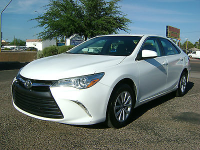 2015 Toyota Camry Le 2015 TOYOTA CAMRY LE - FACTORY WARRANTY - 1 OWNER - 2.49% OAC!