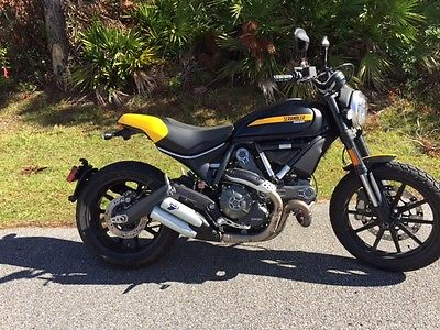 2015 Ducati SCRAMBLER FULL THROTTLE  2015 DUCATI FULL THROTTLE ONLY 550 MILES PERFECT AND NEEDS NOTHING