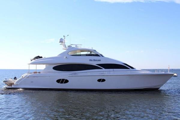 2006 Lazzara 84 Motor Yacht