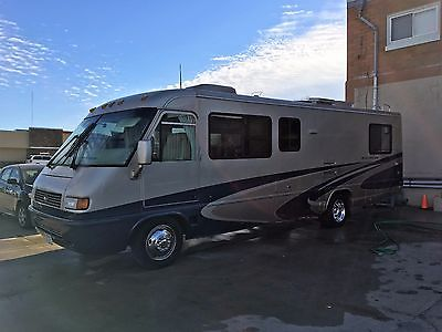 2005 Airstream Land Yacht 30