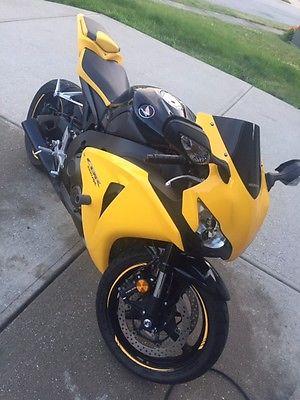 2008 Honda CBR 2008 Honda CBR 1000rr Yellow/Black