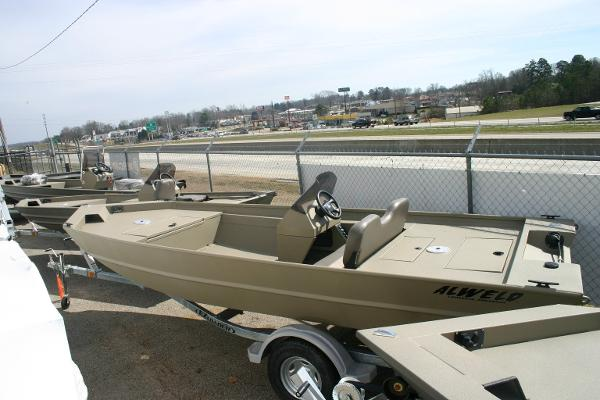 Alweld 17 boats for sale for Used fishing boats for sale in iowa