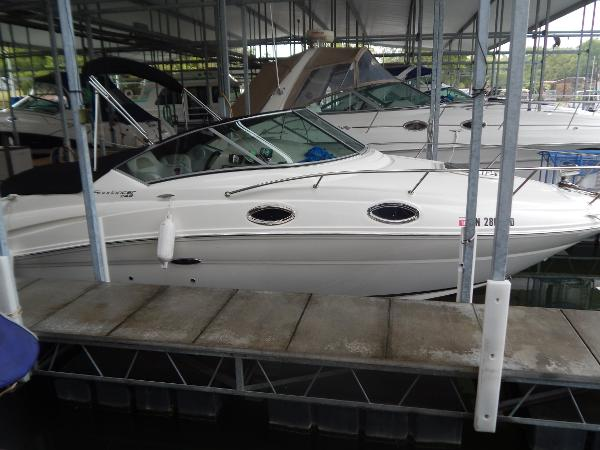 2010 Sea Ray 24 sundancer