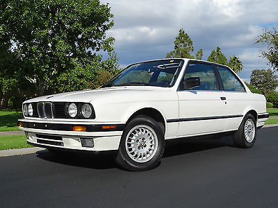 1989 BMW 3-Series  1989 BMW 325i E30 Coupe Alpine White 1 Owner AZ Car All Original Leather 325is