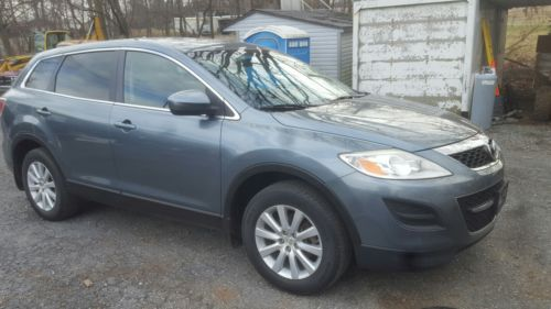 2010 Mazda CX-9 Loaded 2010 mazda cx-9 All Wheel Drive leather 3rd Row Seating Very Nice Car
