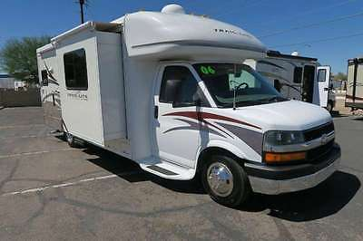 2006 R-Vision TRAIL LITE 252 B+ 2 SLIDES 39K MILES CLASS B SELF CONTAINED NICE!!