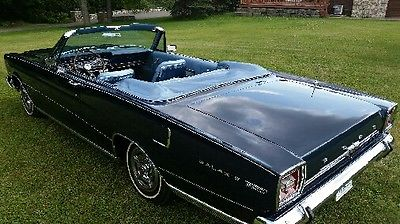 1966 Ford Galaxie 7-litre 1966 Ford Galaxie 7-litre convertible fully loaded MUSEUM piece perfect !