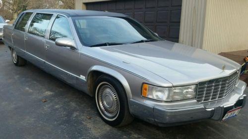 1996 Cadillac Fleetwood Fleetwood 1996 Cadillac Fleetwood limousine