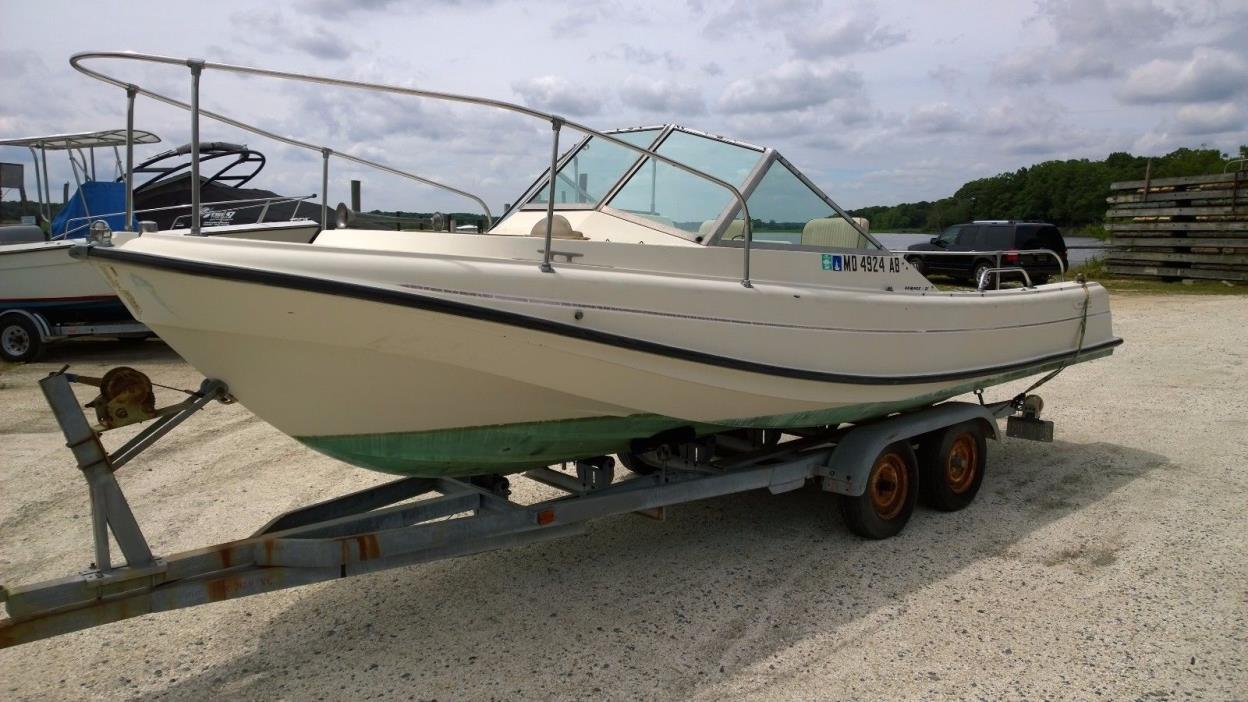 Boston Whaler Revenge 21 Boats for sale
