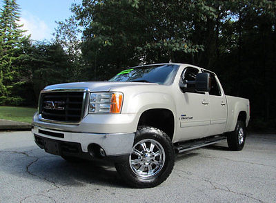 2008 GMC Sierra 2500 08 GMC SIERRA 2500HD SLT DIESEL 4X4 2 owner 6.6 l duramax diesel slt 4 x 4 heated leather navigation nittos crew cab